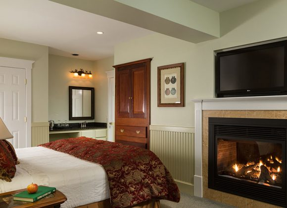 Premier River View Fireplace Suite