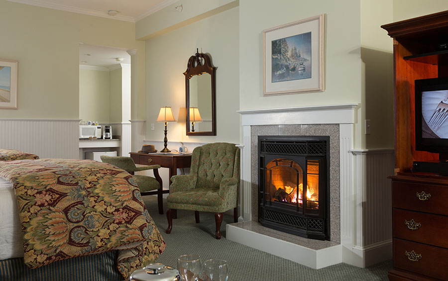 Deluxe Fireplace Room at the Lord Camden Inn in Camden, Maine